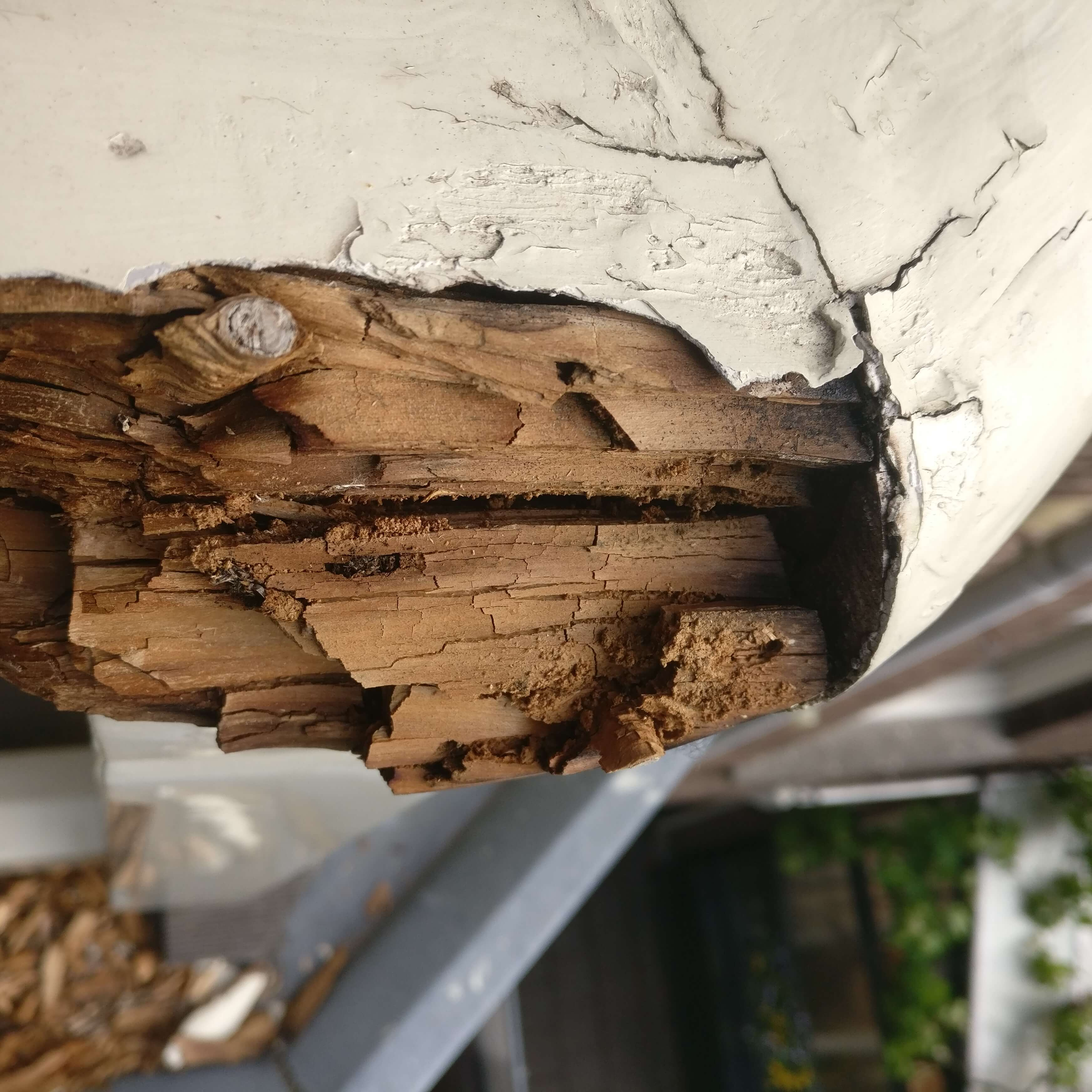Restauratie houten balkonhek